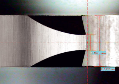 Inspection of chamfer-width / -symmetry